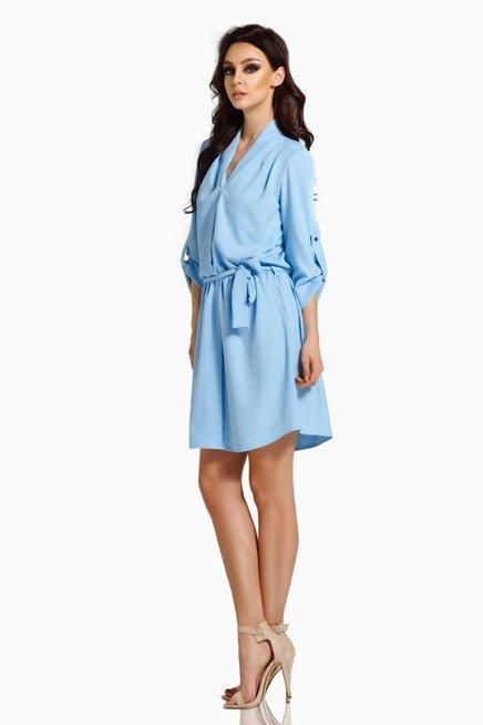 Koszulowa sukienka z kopertowym dekoltem z paskiem błękitny