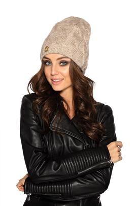 Kobieca czapka w warkocze beżowy