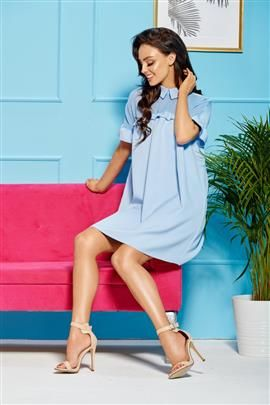 Oversizowa elegancka sukienka z kołnierzykiem błękitny