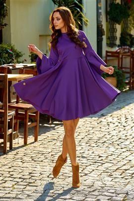 Zjawiskowa sukienka z rozszerzanymi rękawami fiolet HAVEN